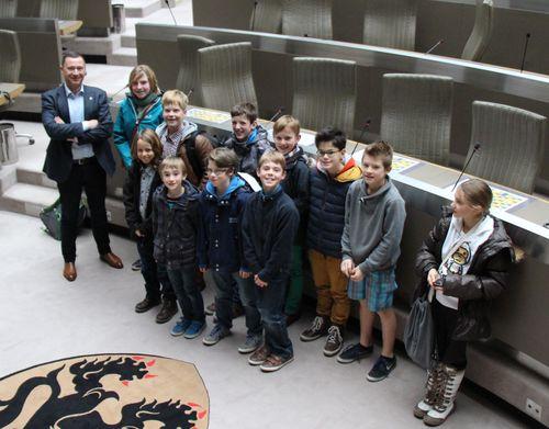 Kindergemeenteraad bezoekt parlement 112b