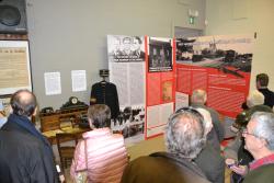 Optocht militaire voertuigen en tentoonstelling WO II 29 april 2 088