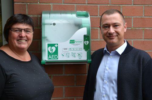 Peter en Hilde defibrilator