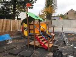 Nieuw speeltuig kleuterschool
