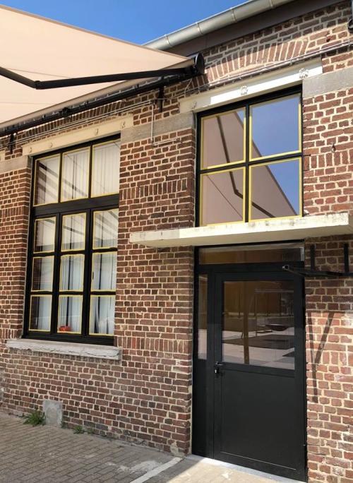 Schilderwerken ramen en nieuwe nooddeuren BKO foto 4