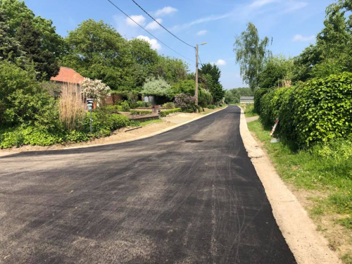 Meenselbeekstraat nieuwe asfalt