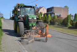 Veegmachine en tracktor 022