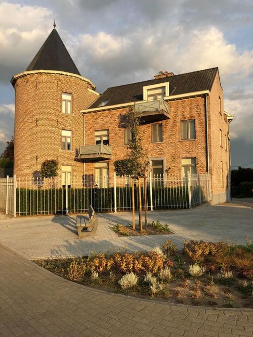 Dorpskernvernieuwing bankje Glabbeek foto 2