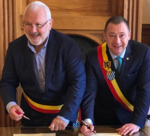 Burgemeesters JM Dedecker en Peter Reekmans b